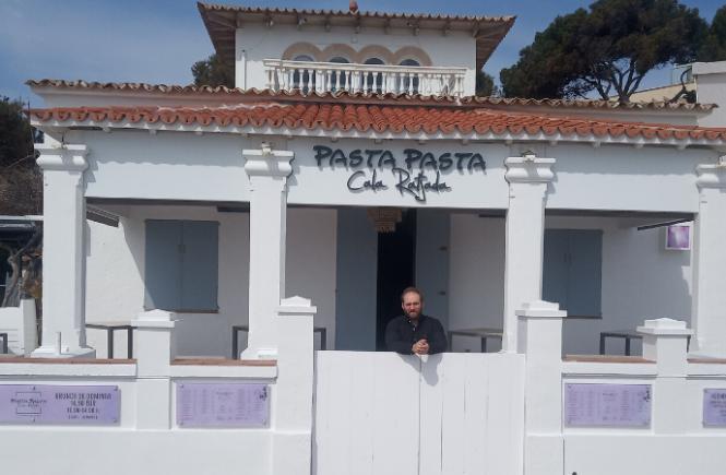 Luxus-Makler Marcel Remus bittet Mallorca-Fans das Pasta Pasta zu unterstützen