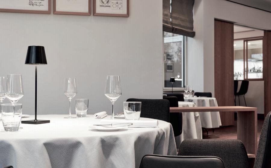 Das Restaurant Le Canard nouveau in Hamburg ist wieder geöffnet.