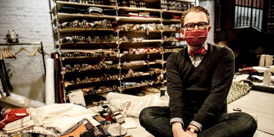 Hotels der ARENA Hospitality Group statten ihre Teams mit modischen Masken von AUERBACH aus