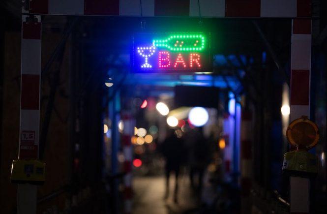 Die Corona-Krise hat die Berliner Gastro-Branche weiter fest im Griff.