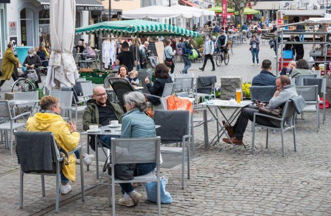 Bei schönem Wetter wird Außengastronomie im Saarland gut genutzt